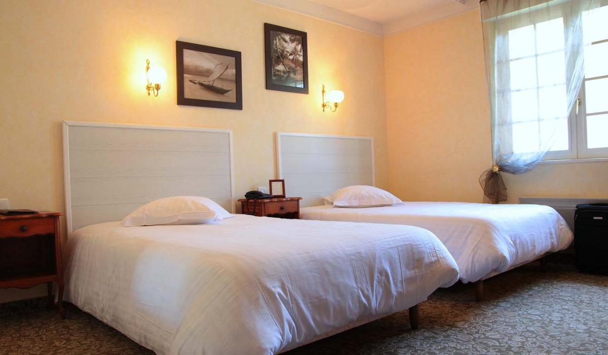 Chambres lits jumeaux hotel la corniche - Lits jumeaux adultes ...